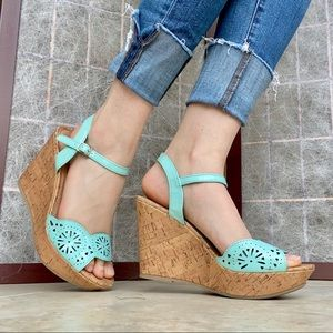 American Eagle — Turquoise Wedges
